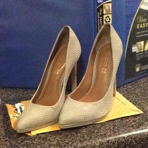 Aldo Kristina Gray Shoe Size 7 1/2